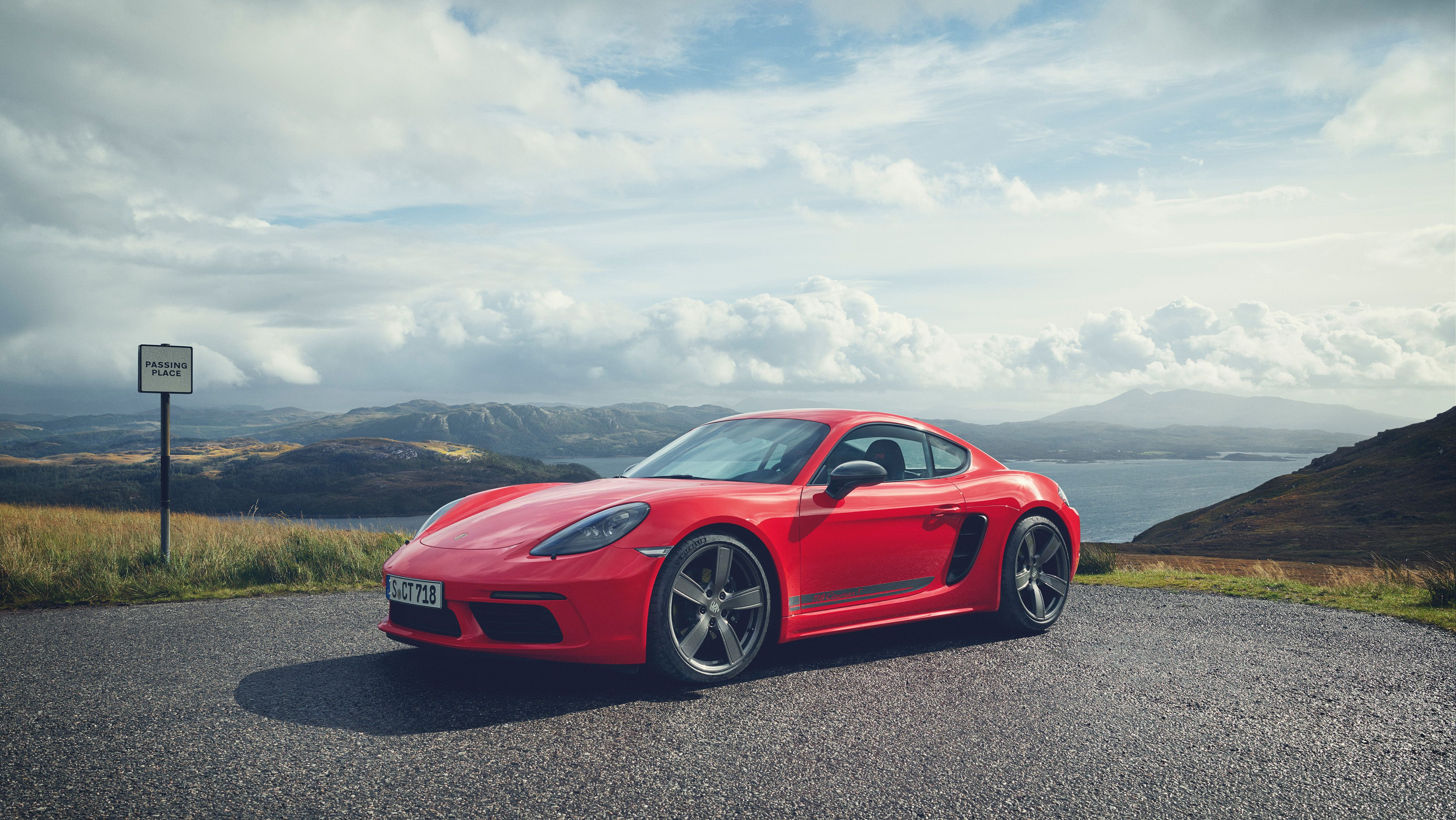 2020 Porsche 718 Cayman Review, Pricing, and Specs
