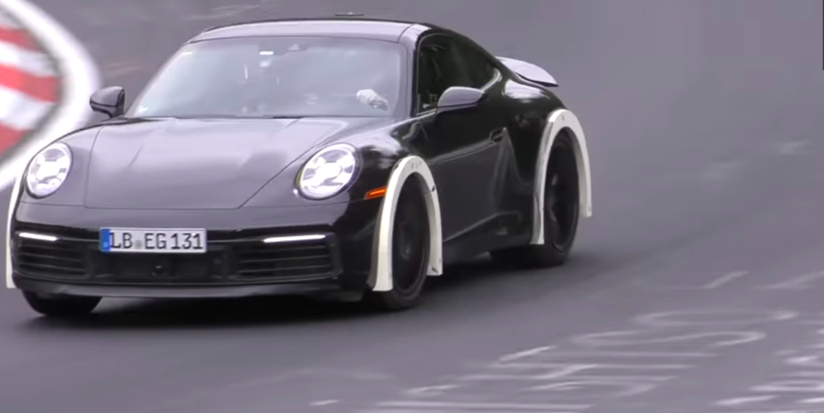 What is going on with this Porsche 911 tester?