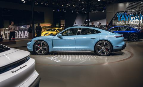 Land vehicle, Vehicle, Car, Auto show, Automotive design, Luxury vehicle, Performance car, Supercar, Sedan, Sports car,