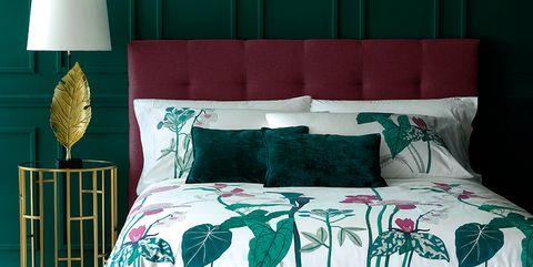 Green, Bed sheet, Bedding, Bed, Bedroom, Duvet cover, Furniture, Textile, Room, Bed frame,