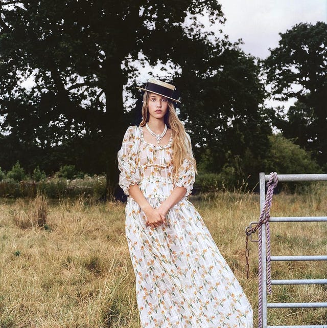 White, Clothing, Photograph, Dress, Beauty, Fashion, Grass, Summer, Vintage clothing, Photography,