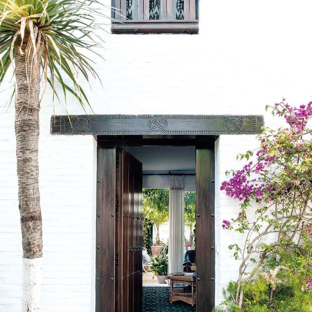 Puerta de entrada: Casa proyectada por Agustín Martínez Gil