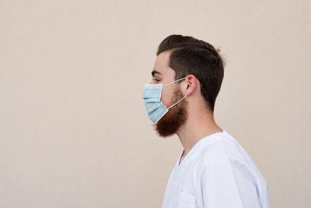 llevar mascarilla con barba