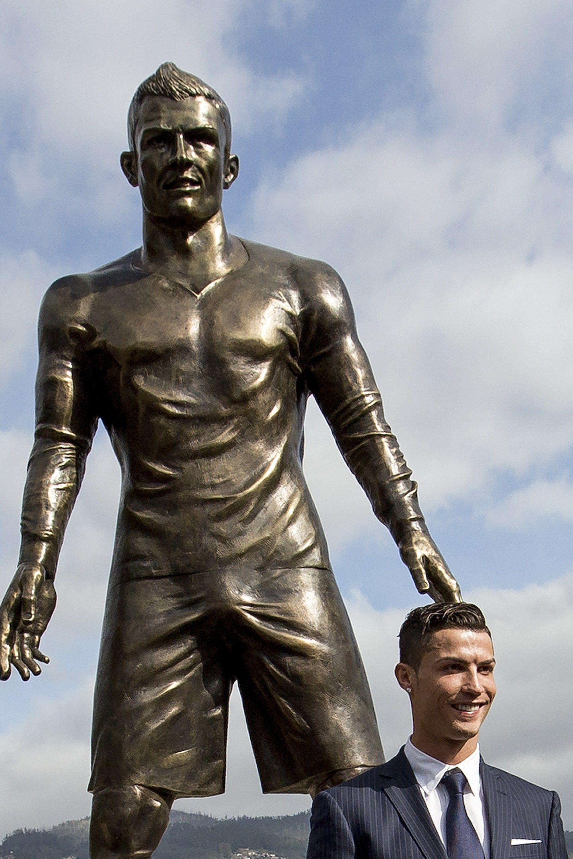 Statue Ronaldo Madeira