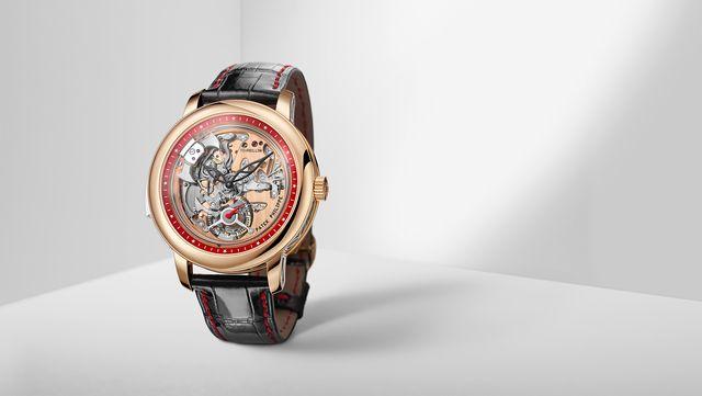 Watch, Analog watch, Watch accessory, Product, Fashion accessory, Still life photography, Strap, Jewellery, Brand, Metal,
