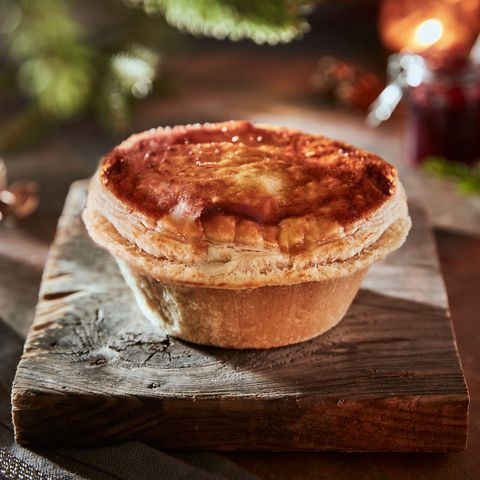 Christmas Dinner Pictures.Iceland Christmas Food 2019 Supermarket Launches Festive