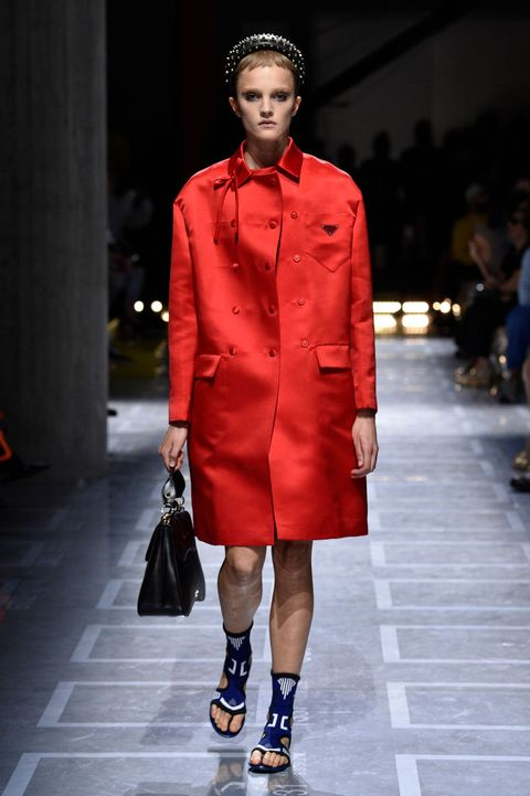 Fashion model, Fashion, Runway, Fashion show, Clothing, Footwear, Fashion design, Street fashion, Outerwear, Coat,