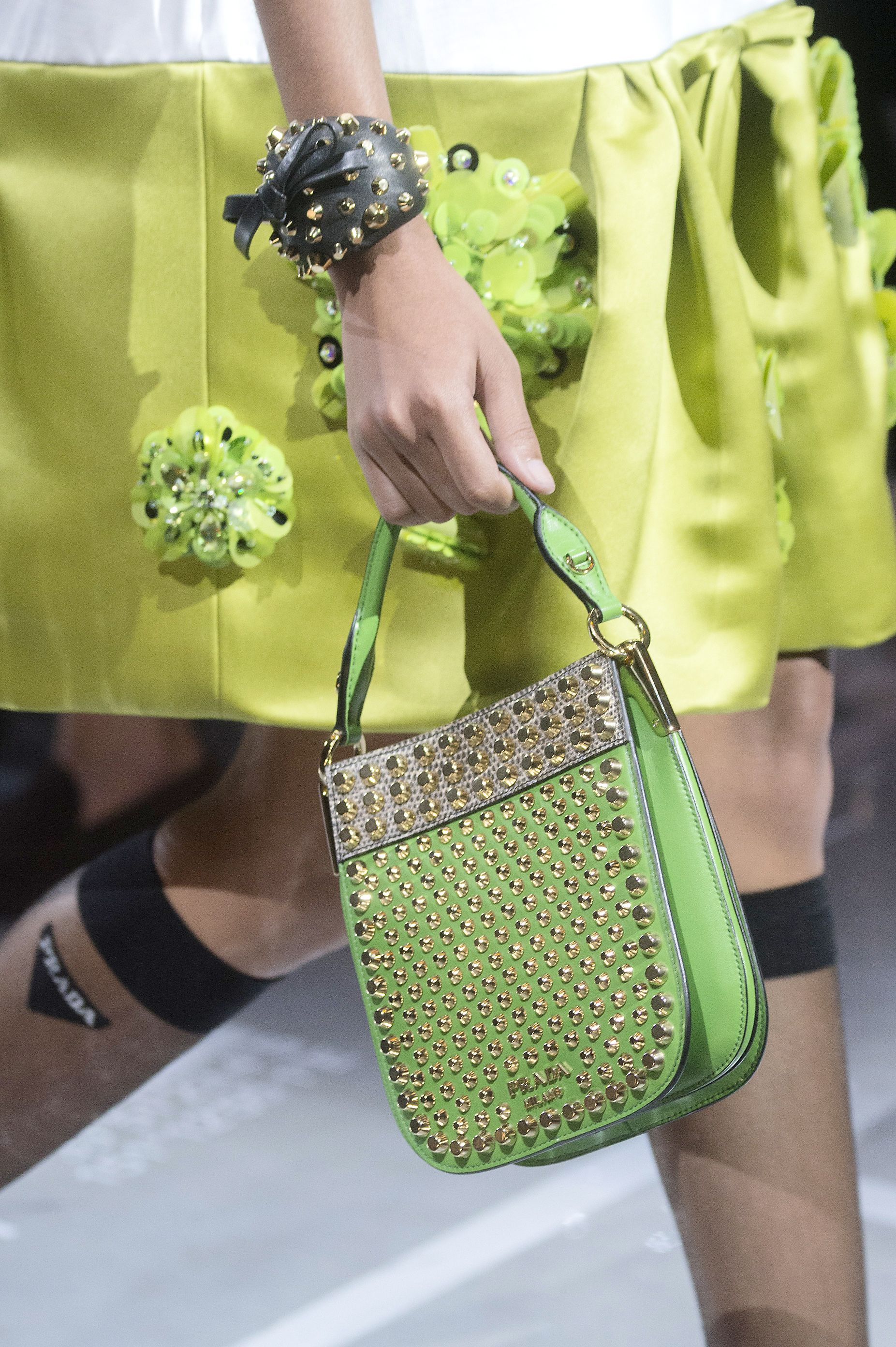 a647ab13ae7 11 Spring Bag Trends 2019 — Top Spring Accessory Runway Trends For Women