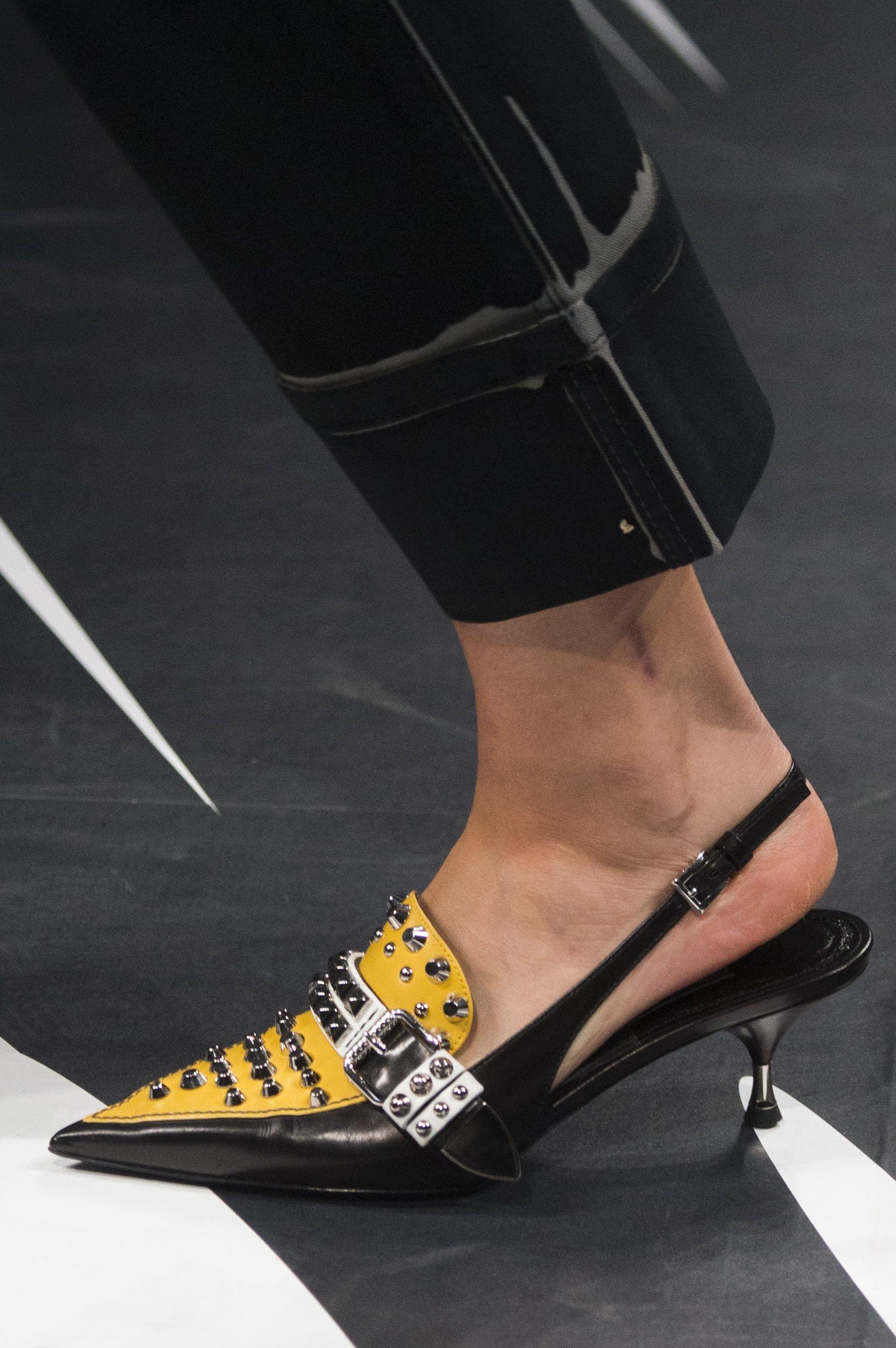 bf81352bbb0 Spring 2018 Shoe Trends - Shoe Runway Trends Spring 2018