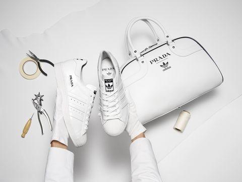 Prada x adidas聯名球鞋、手提包曝光!