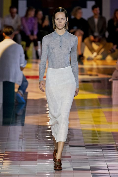 Fashion model, Fashion, Fashion show, Runway, White, Clothing, Haute couture, Fashion design, Event, Public event,