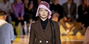 prada-bucket-hat-gigi-hadid-milan-fashion-week