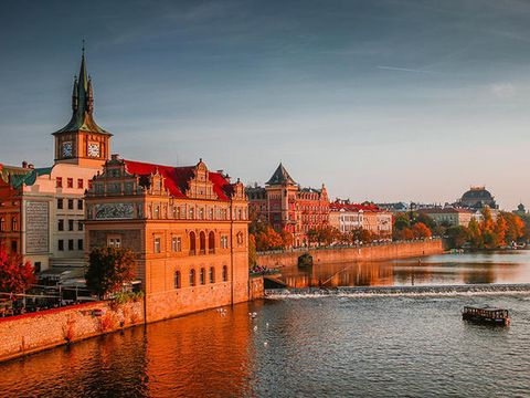 Landmark, Town, Sky, Waterway, City, River, Water, Architecture, Reflection, Building,