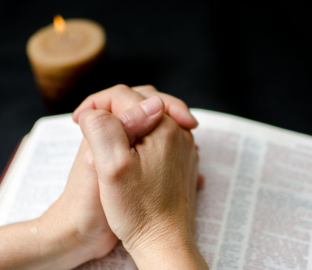 10 Prayers For the Sick to Make Them Strong in Their Fight