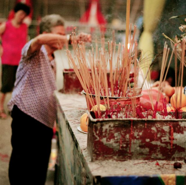 praying at hungry ghost festival