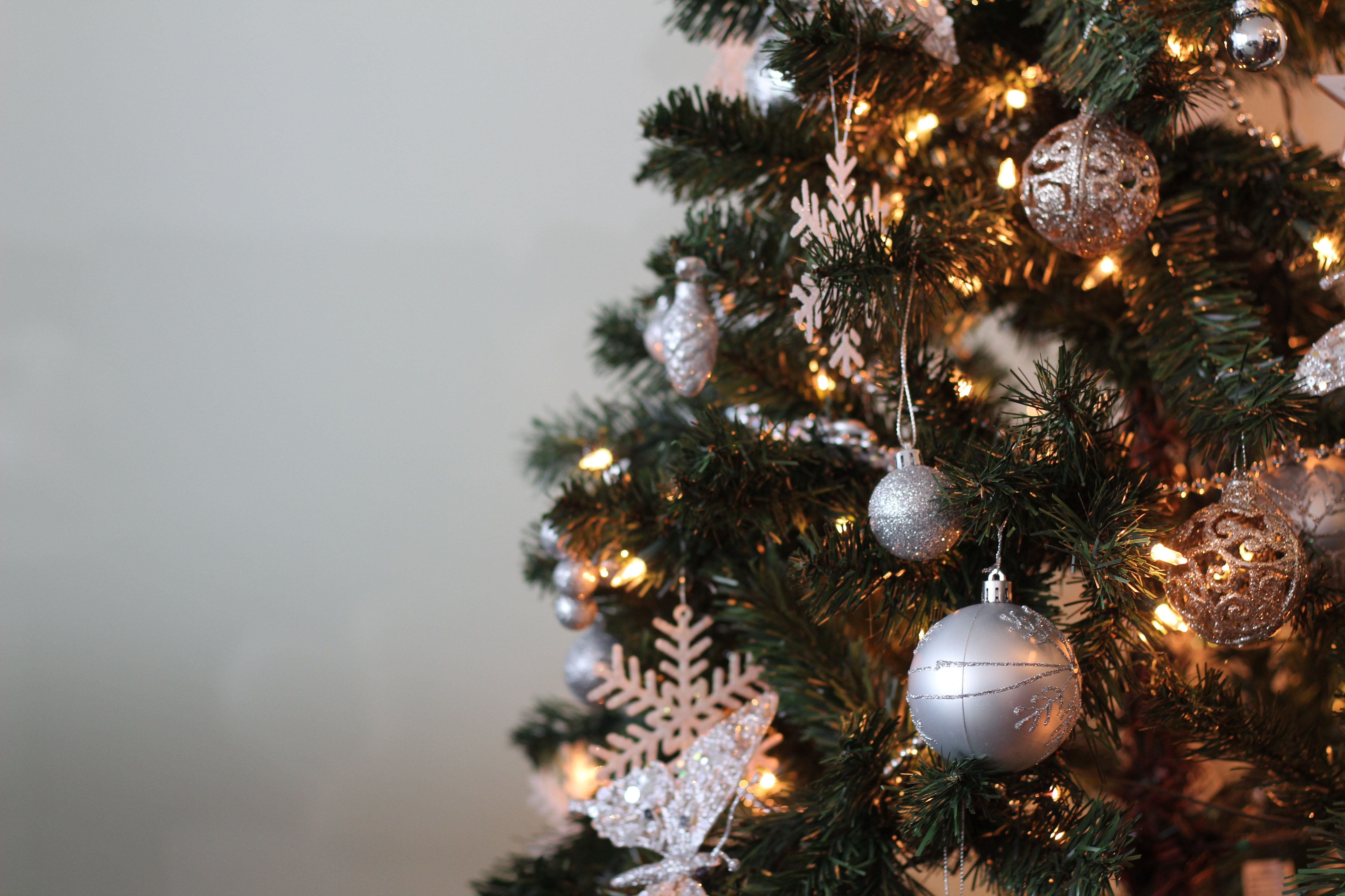 The Best Pre Lit Christmas Trees For Stress Free Festivities