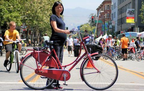 pregnant cyclist
