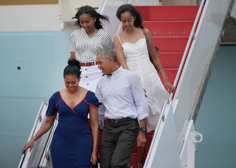 obamas arrive in mass for vacation