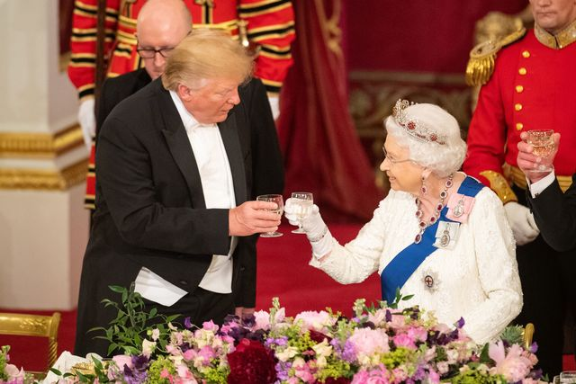 エリザベス女王 独立記念日 ドナルド・トランプ大統領 ヘンリー王子 メーガン妃 新型コロナウイルス