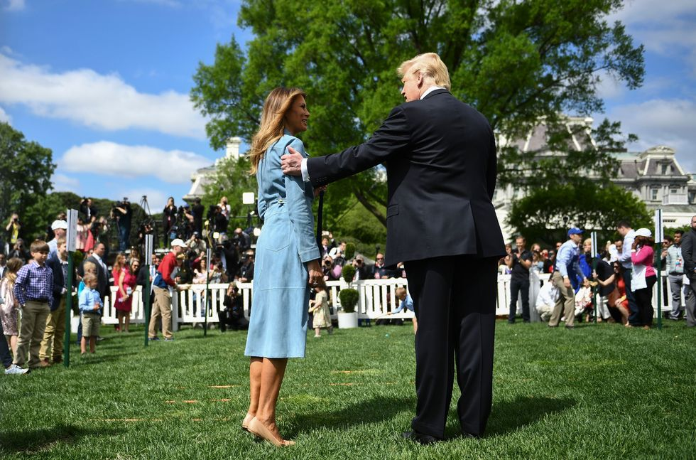 A body language expert breaks down those White House Easter Egg Roll pics.