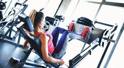 Exercice de presse des jambes.