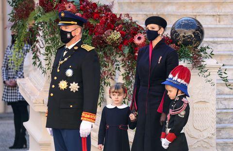 alberto y charlene de mónaco con sus hijos jaime y gabrielle en el día nacional de mónaco, 19 de septiembre de 2020