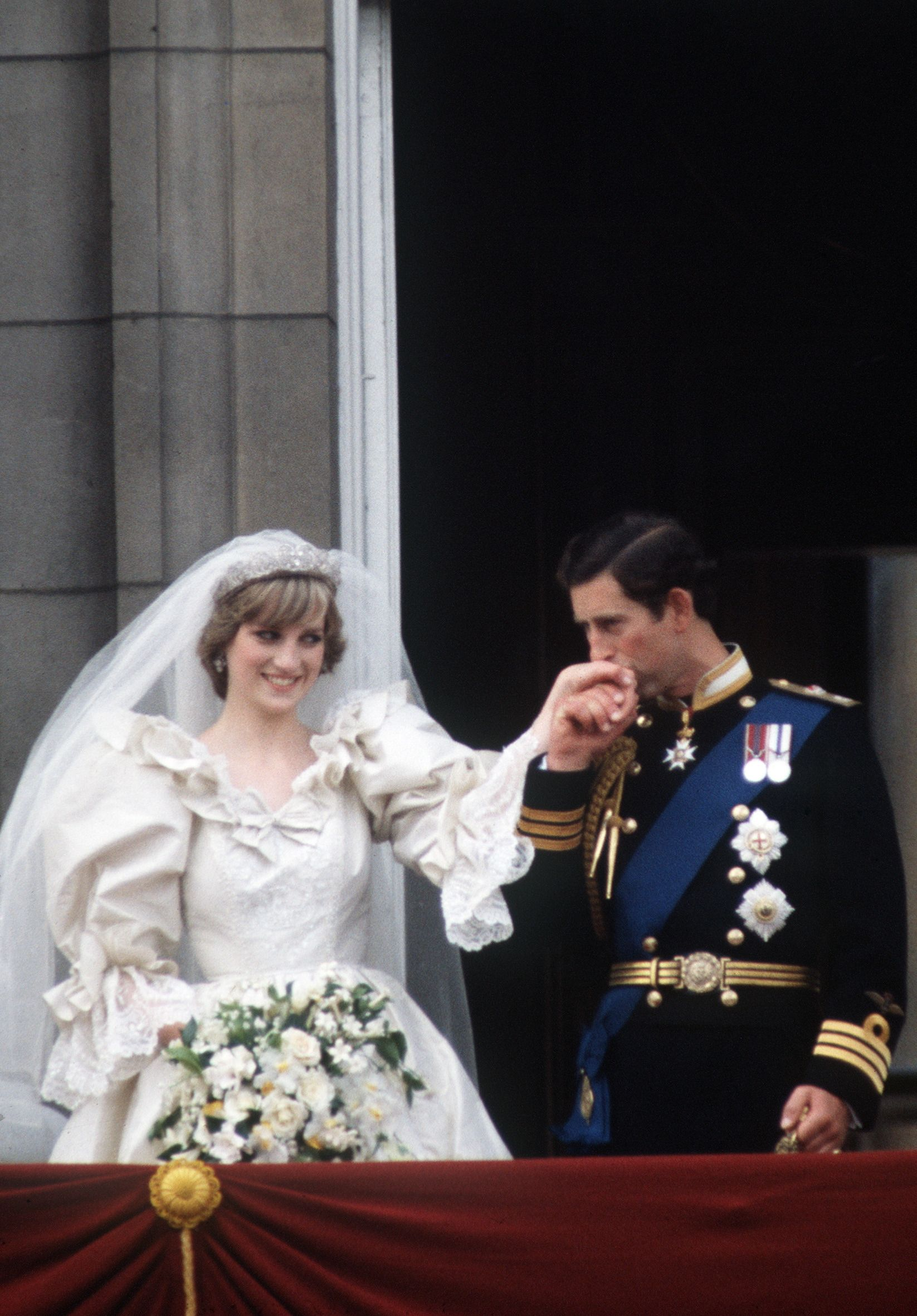 What Prince Charles and Princess Diana's Wedding Looked Like In Real Life - Flipboard