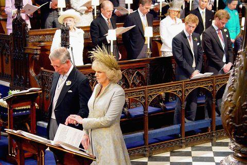 TRH Prince Charles e la duchessa di Cornovaglia partecipano alla benedizione al castello di Windsor
