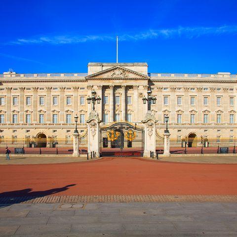 prince charles hate buckingham palace