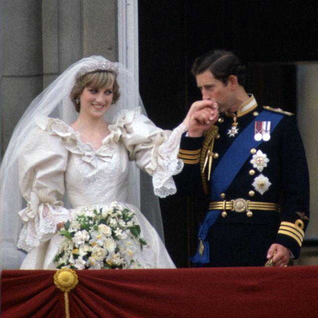 ダイアナ妃 チャールズ皇太子 結婚式 ウエディング 靴 ロイヤルファミリー