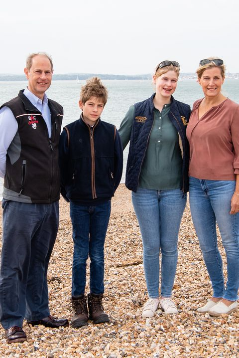 the earl and countess of wessex take part in a great british beach clean