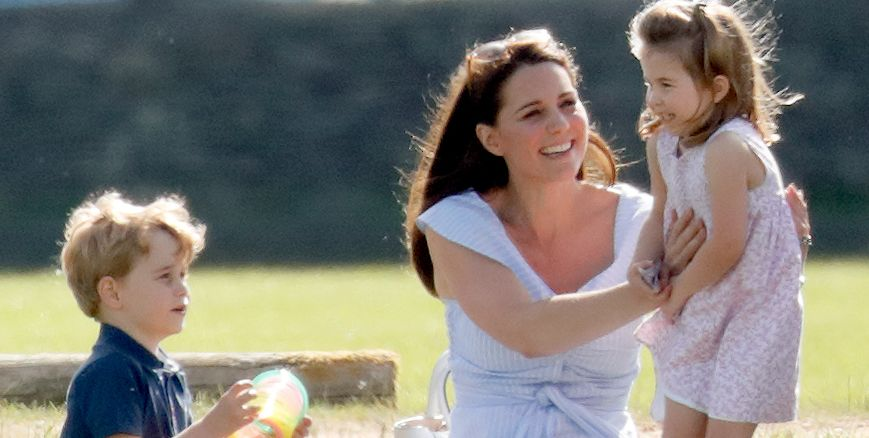 Kate Middleton took Prince George and Princess Charlotte to a paper shop in London