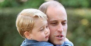 ジョージ王子 ウィリアム王子 キャサリン妃 ロイヤルファミリー クリスマス