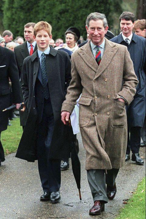Formal wear, Suit, Event, Coat, Overcoat, Tuxedo, Ceremony, Uniform,