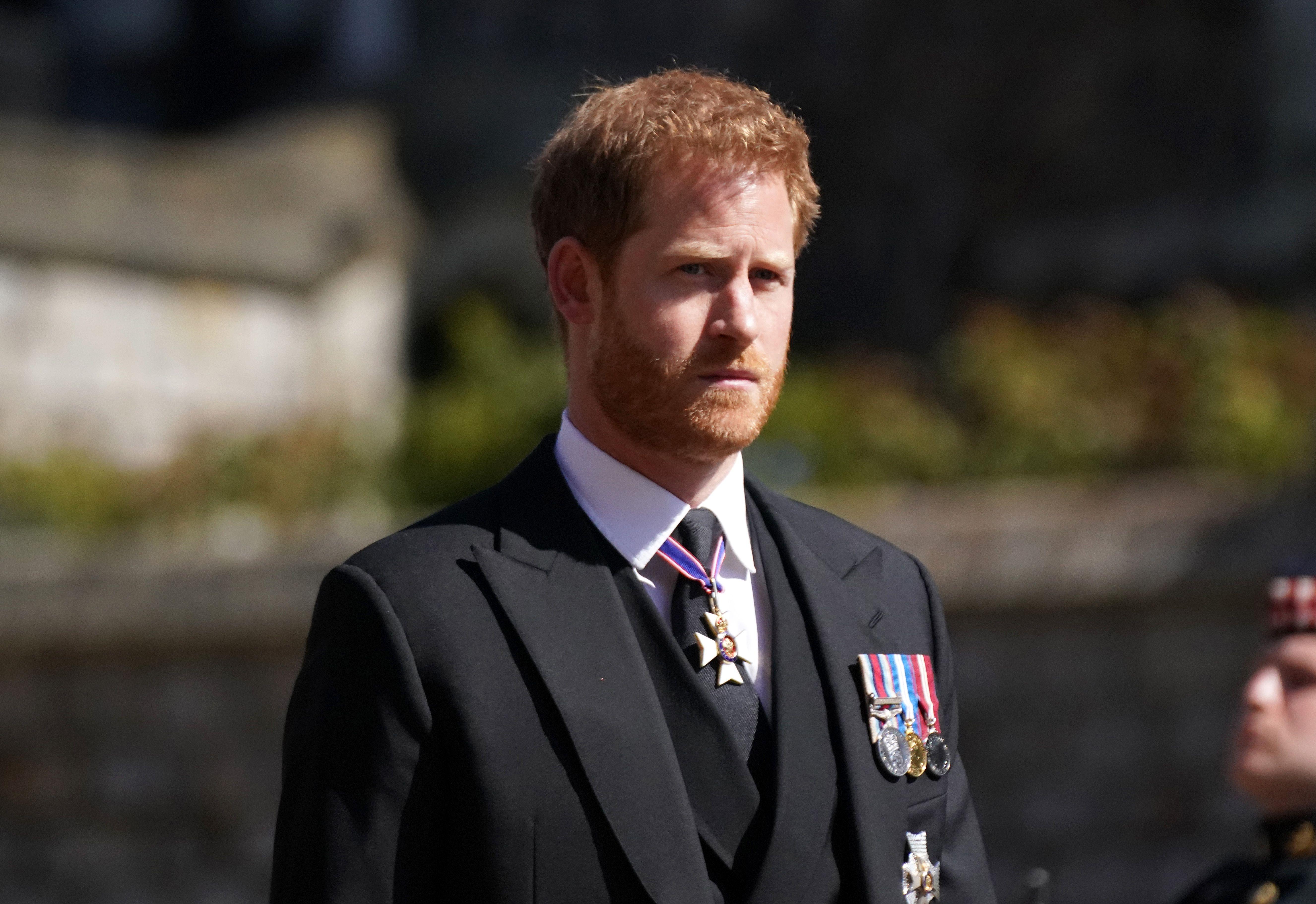 El príncipe Harry se quedará en Inglaterra para estar con Isabel II en su cumpleaños