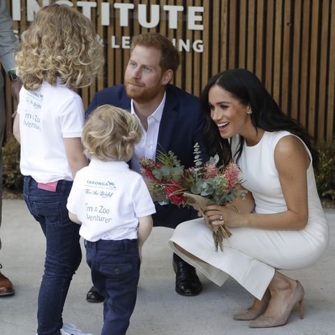 a body language expert weighs in on what meghan markle and prince harry will be like as parents meghan markle and prince harry