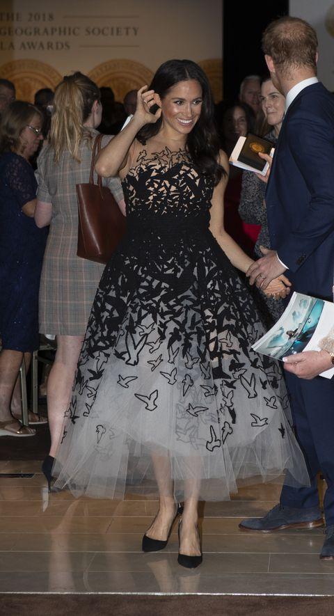 e073d8f05568 Meghan Markle Steps Out in Sydney Wearing a Graphic Oscar de La ...