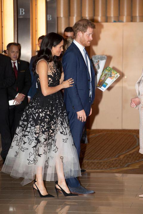 Meghan Markle S Oscar De La Renta Dress In Sydney Looks
