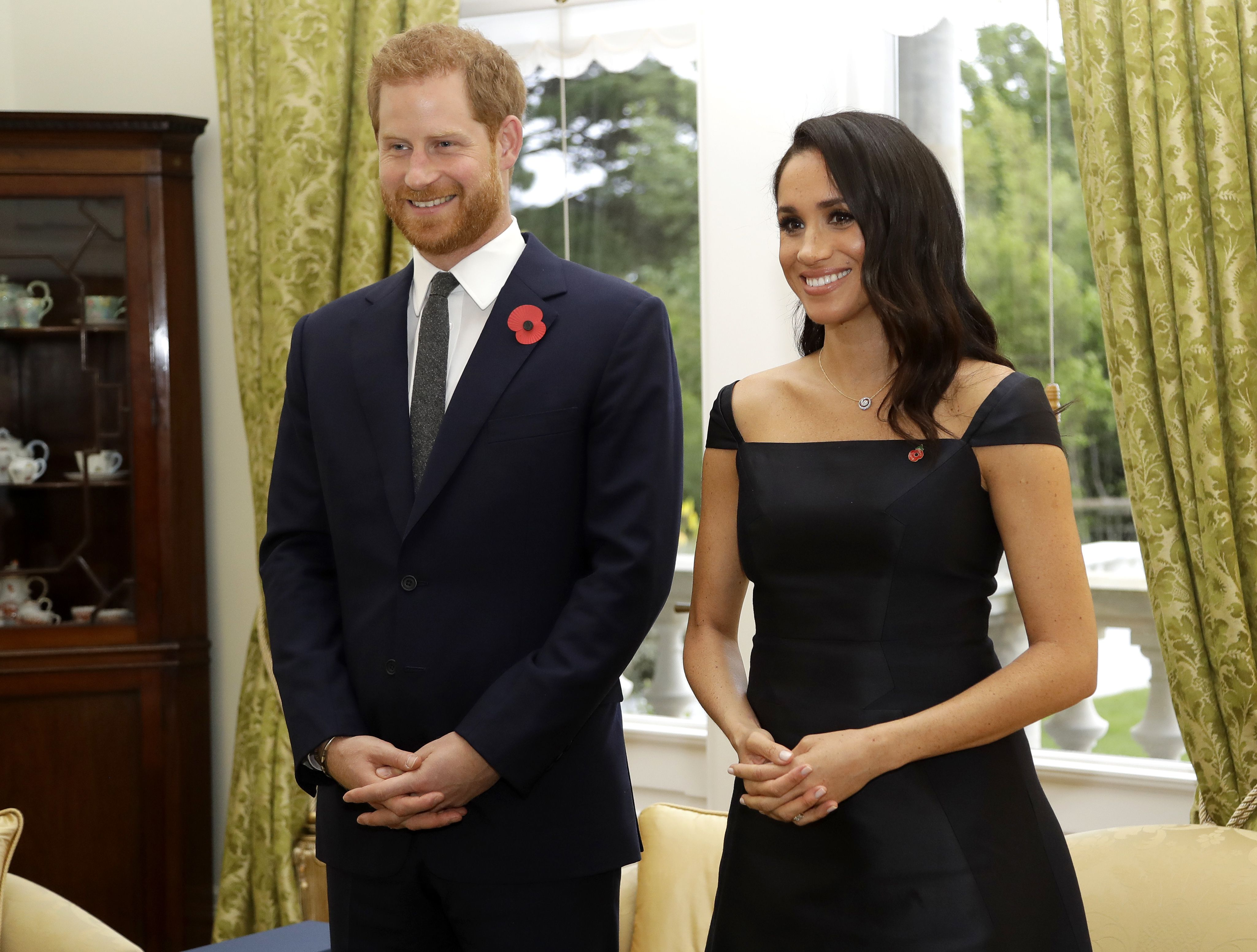 c2fa52dd3f See All the Photos of Prince Harry and Meghan Markle's First Day in New  Zealand