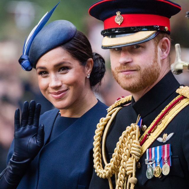 """Here's Why Prince Harry Told Meghan Markle to """"Turn Around"""" in That Viral Video"""