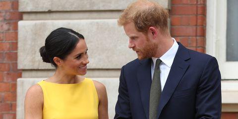 meghan-markle-prince-harry-holding-hands