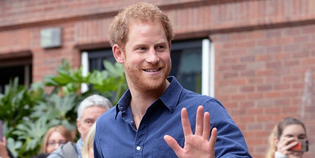nottingham, england    october 26 prince harry waves as he leaves nottingham's new central police station on october 26, 2016 in nottingham, england photo by joe giddins   wpa poolgetty images