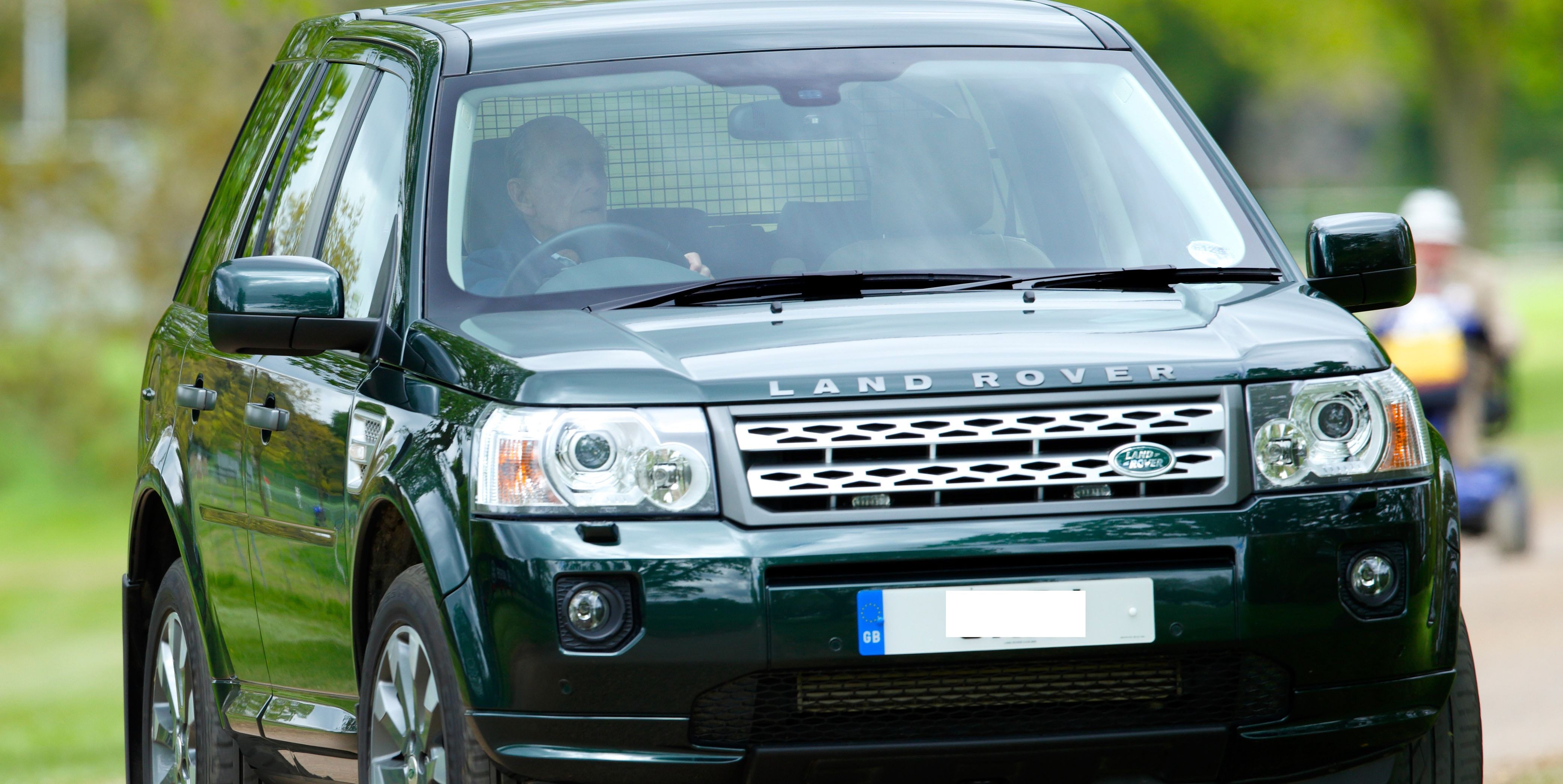 """Queen Elizabeth II's husband got into a crash in his Land Rover Freelander in January and has now """"voluntarily"""" surrendered his driver's license."""