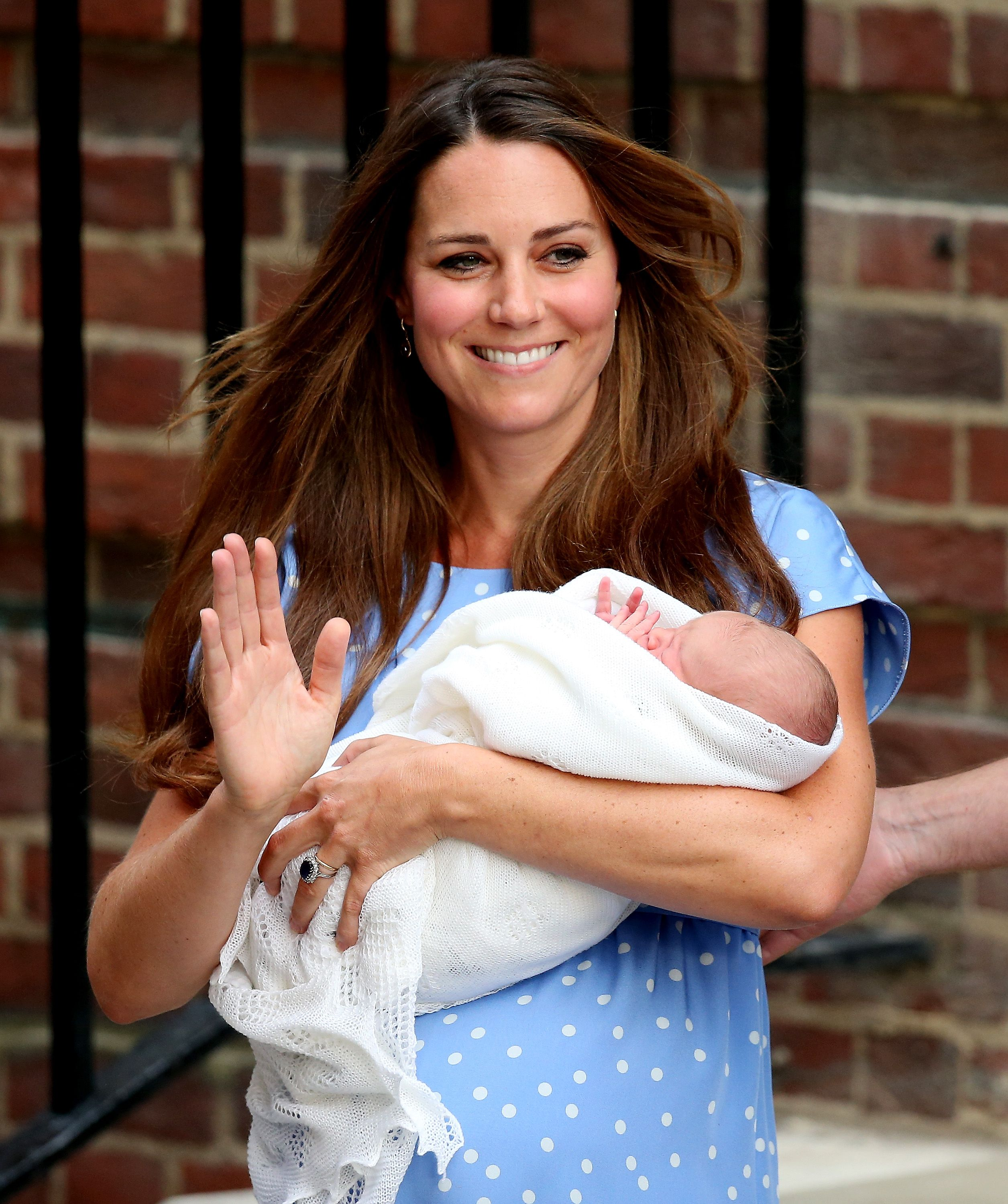 "Kate Middleton Says Posing for Photos Right After Giving Birth to Prince Geroge Was ""Terrifying"""