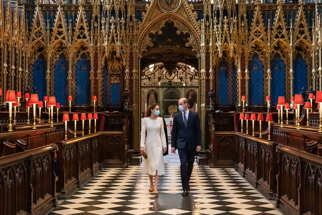 duke and duchess of cambridge visit westminster abbey vaccination centre