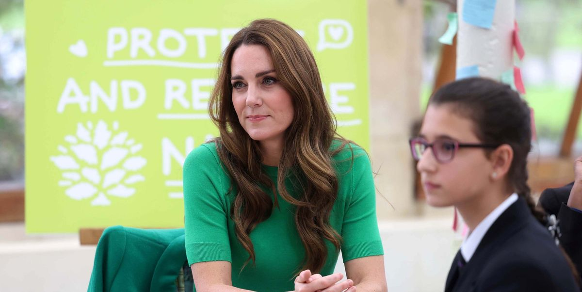 The Duchess of Cambridge looks stunning in bold green at Kew Gardens