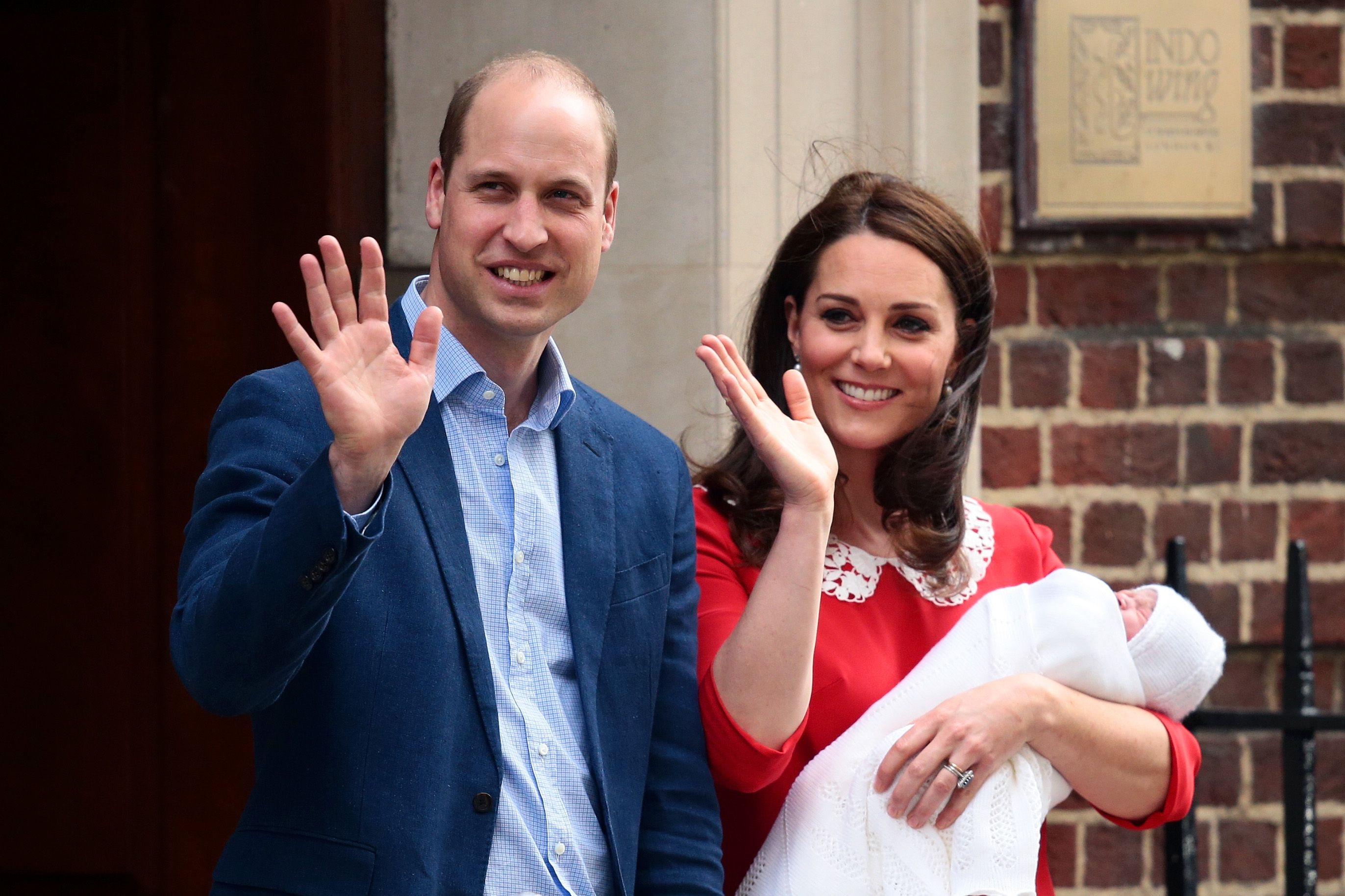 Watch WATCH: Kate Middleton and Prince William practice their parenting skills video