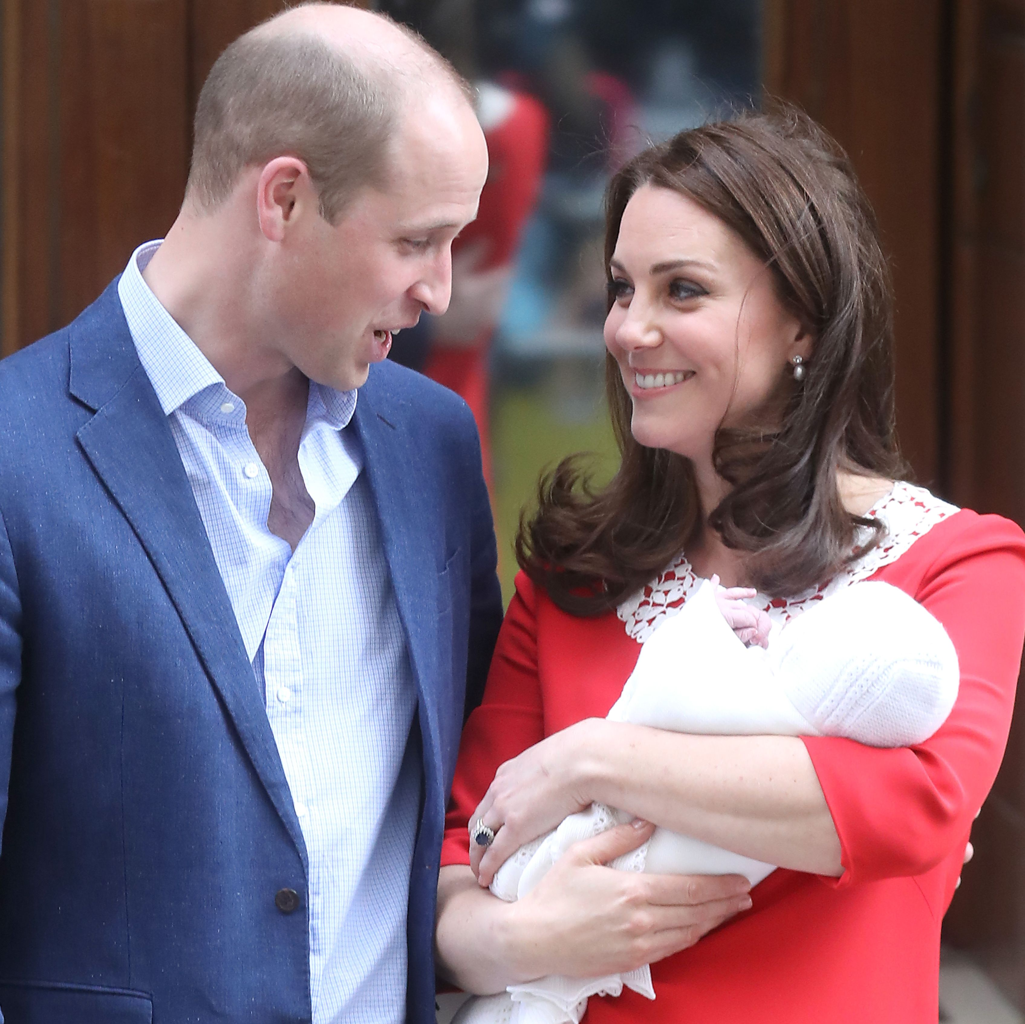 Kate Middleton and Prince William Just Released Prince Louis' First Birthday Pics!!