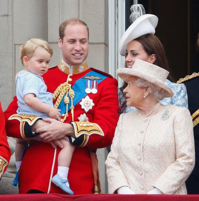 trooping the colourに参加したエリザベス女王、キャサリン妃、ウィリアム王子、ジョージ王子