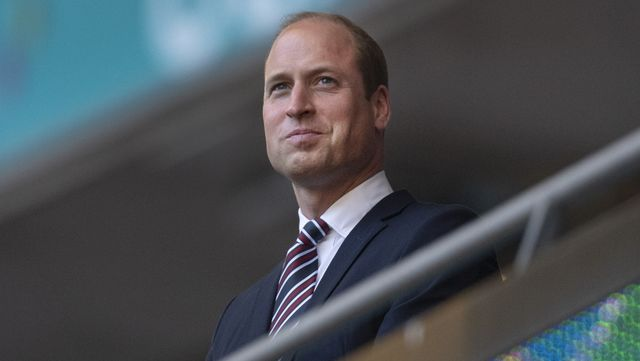 将来的に英国王となることが確実とも言われている、ケンブリッジ公ウィリアム王子。親しみやすさや家族の仲睦まじい姿などから、国民から愛されるケンブリッジ公爵一家だけれど、ウィリアム王子が国王となった暁には、それぞれの称号や住居など、様々な変化を迎えることに。 本記事では「ウィリアム王子の即位による変化」をお届け。